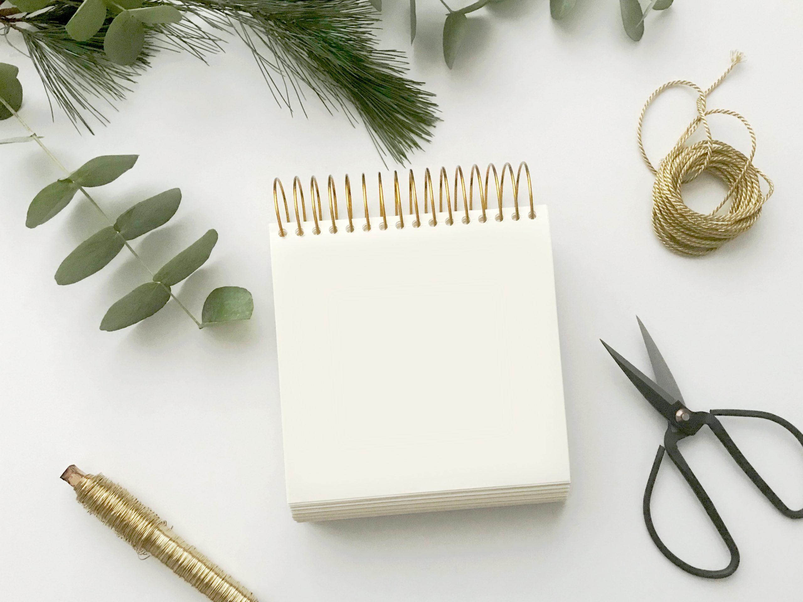 DIY avec du carton : Cadre pêle-mêle